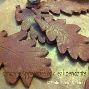 Ranger Apprentice oak leaf pendant