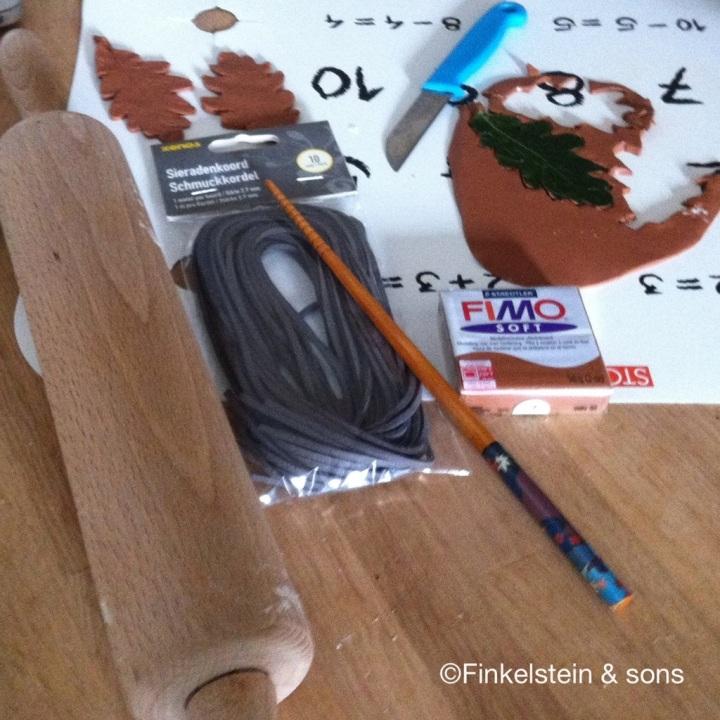 Ranger's Apprentice oak leaf pendant tools