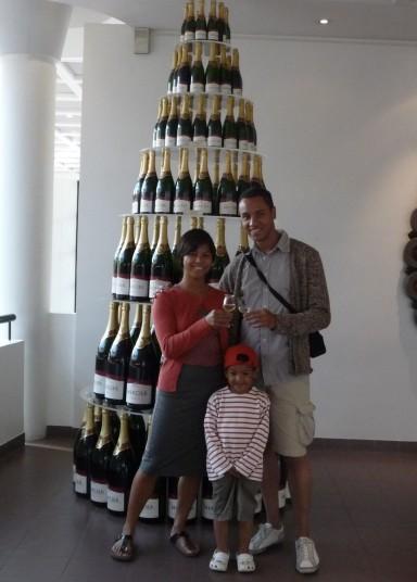 Retro - met Junior champagne proeven in 2008 bij Mercier