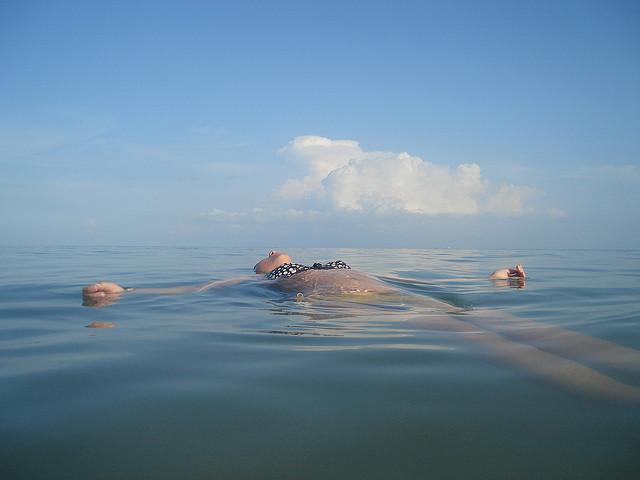 Drijvend op zee