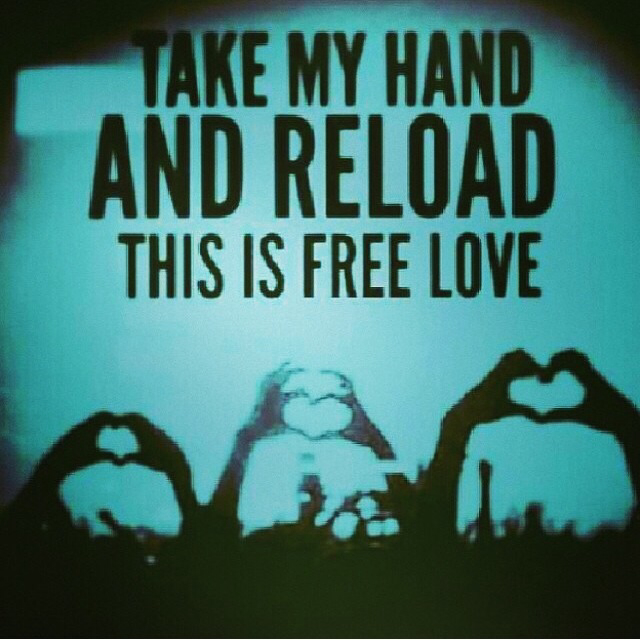 Hearts with hand reload quote
