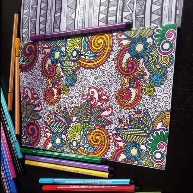 Kleurplaat - binnen de lijntjes kleuren