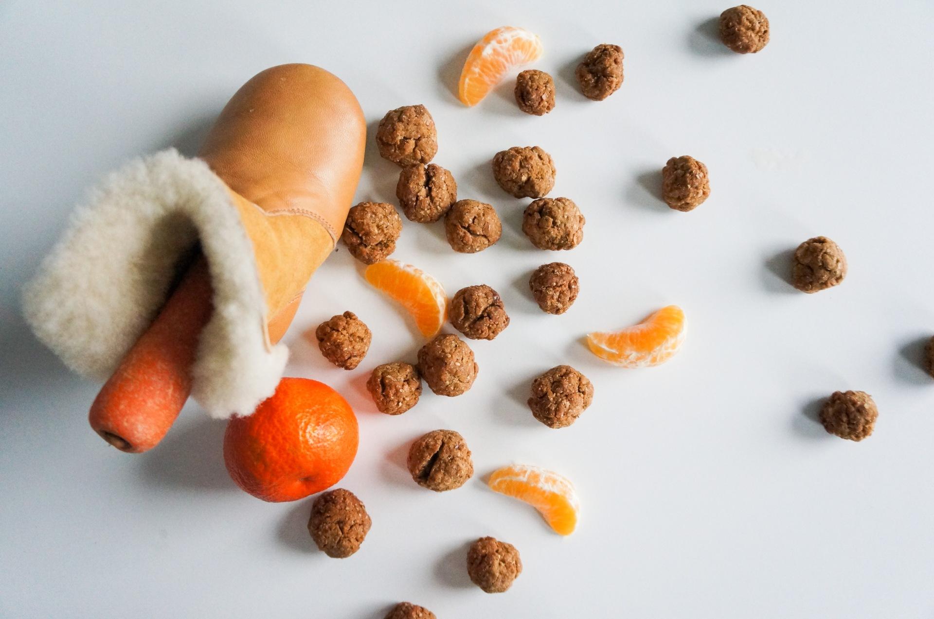 kruidnoten en mandarijn
