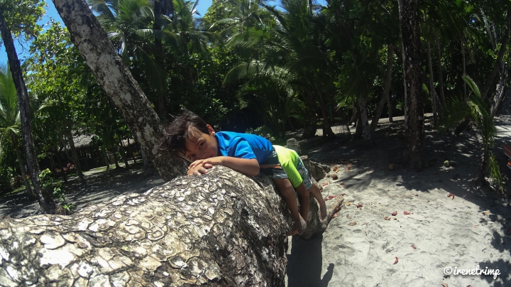 Super cool stuff your kids love to do in Costa Rica - chilling in Manuel Antonio