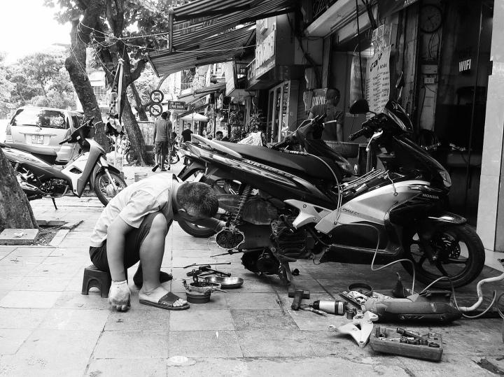 Street live in Hanoi